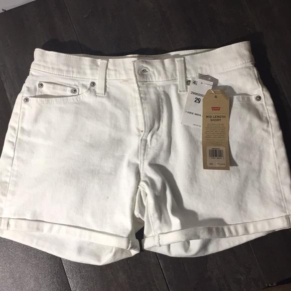 Levi's Pants - Brand New Levi's white mid length short sz 29